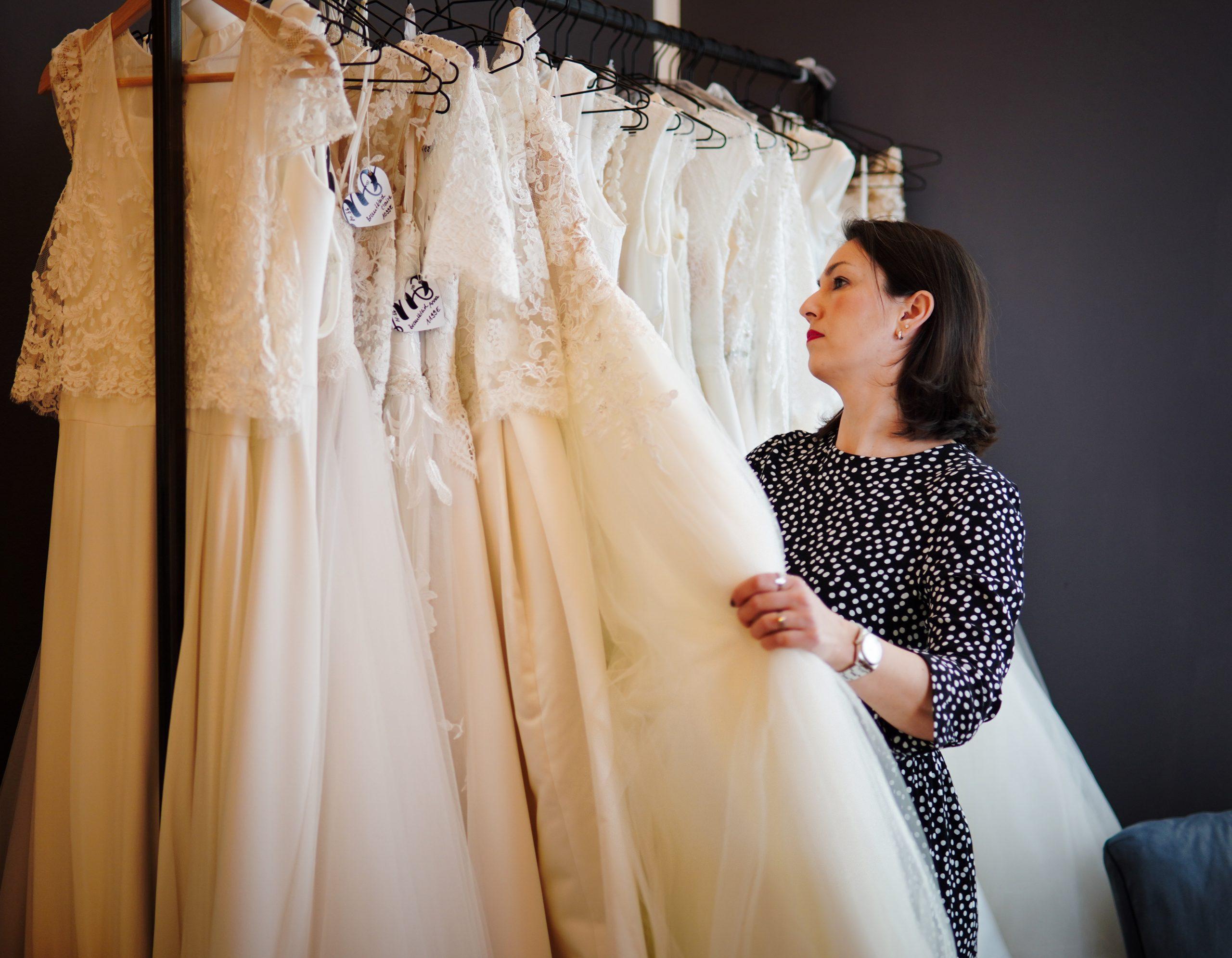 vielfältige Brautkleider im Bridal Studio hugs & kisses